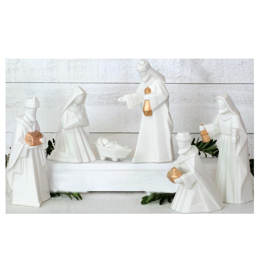 Modern porcelian nativity